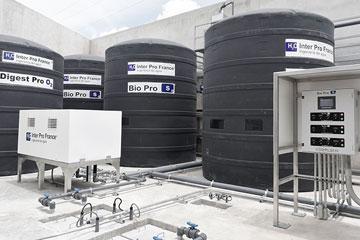 Tratamiento de aguas residuales en tanque(s) de polietileno